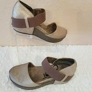 """OTBT """"Migrant Mary Jane Silver Metalic Pump Shoes"""
